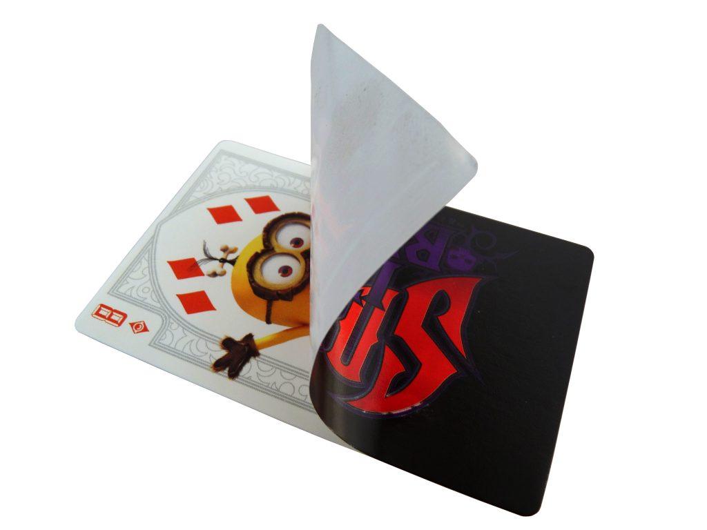 sticker card con canto romo